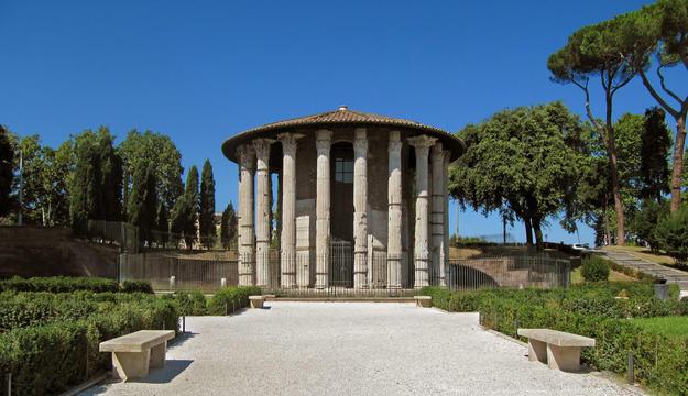 Façade of the circular temple , 2012