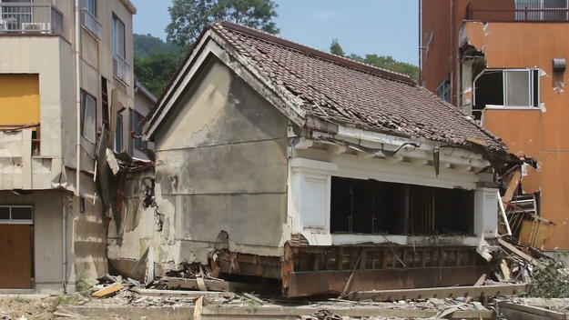Kakuboshi Merchant House in Kesennuma after the earthquake, 2011