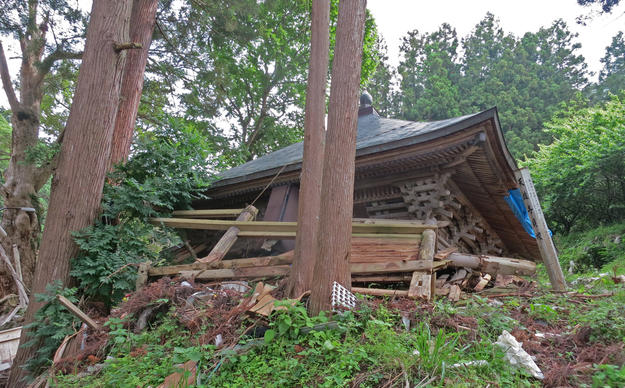 Kanondo Hall at Tenyuji Temple after the earthquake, 2013
