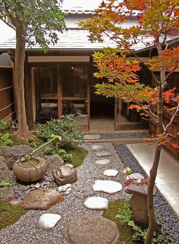 Interior garden of a traditional machiya, 2010