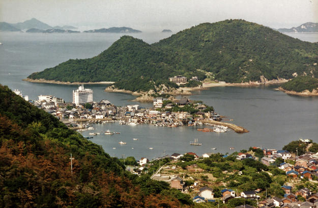 The port along the Seto Nakai, or Inland Sea, 2002
