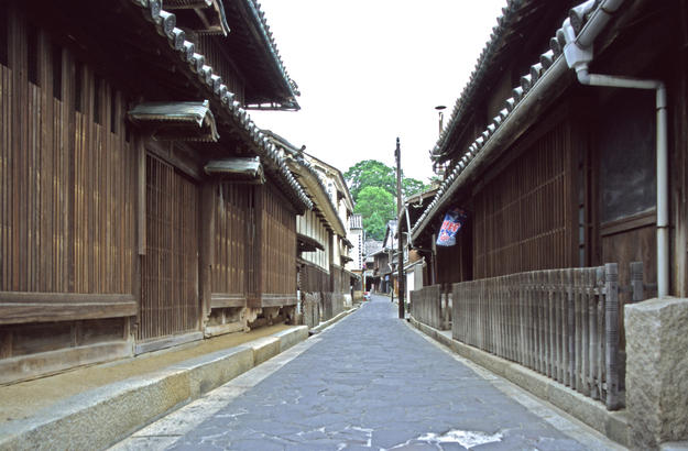 View down the street in the historic townscape of Tomo, 1997
