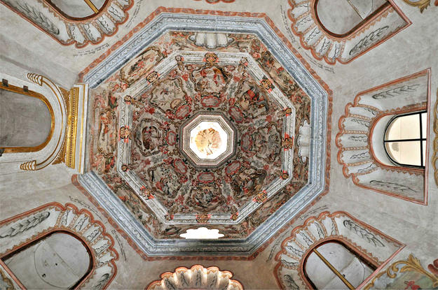 Camerin de la Virgen de Loreto ceiling after conservation, 2011