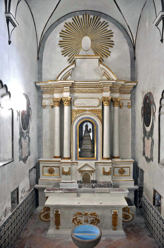 Camerin de la Virgen de Loreto altar after conservation, 2011