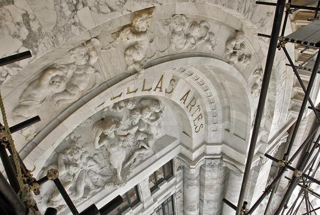 Sculptural details in marble during conservation, 2004