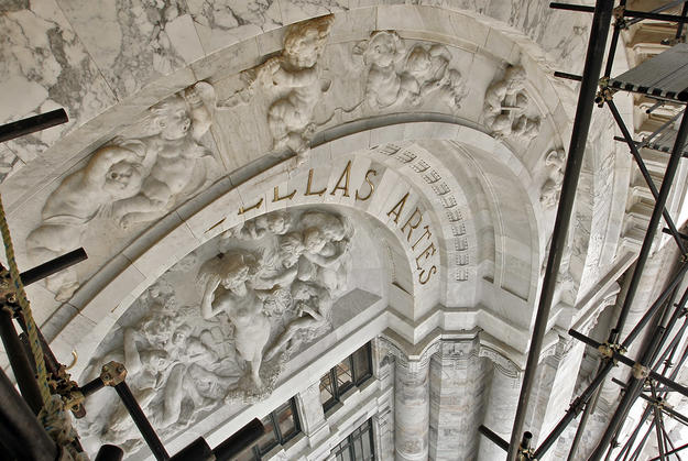 Sculptural details in marble during conservation, 2004