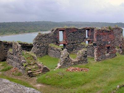 Ruins of San Lorenzo Castle, 2001