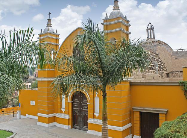 The front façade of the Gothic-style Ermita de Barranco, 2015
