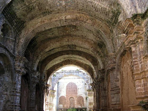 Templo Santa Cruz de Jerusalén de Juli