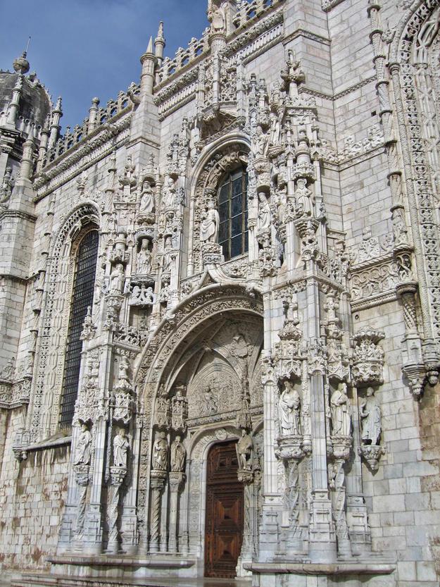 Late Gothic façade, 2002