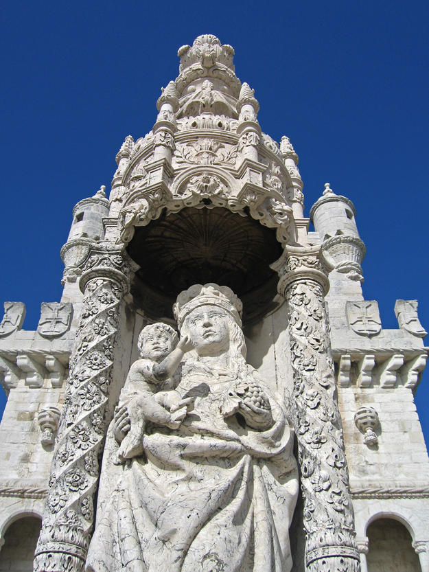 Façade detail of Jesus and Mary, 2006