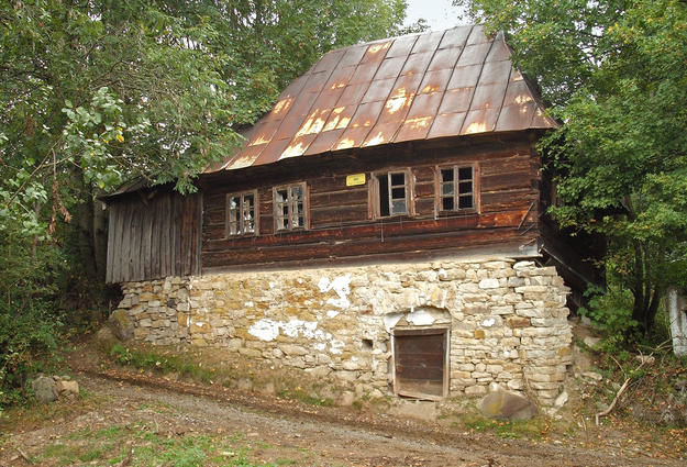 A representative example of a traditional rural house in the area of Roșia Montană, 2011