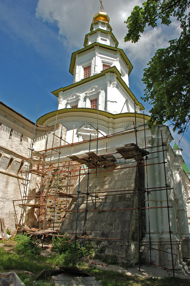Tower during conservation , 2008
