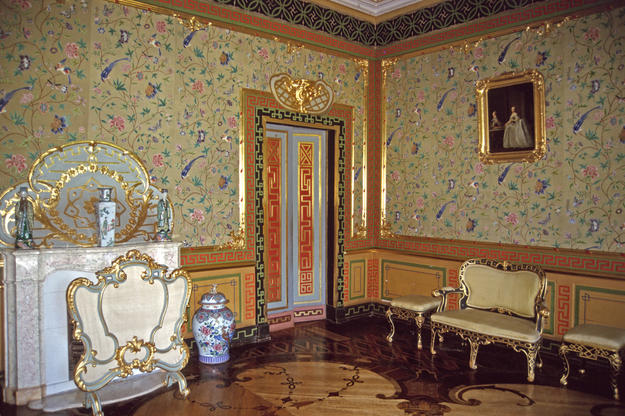 A luxuriously painted and gilded chinoiserie interior, 2002