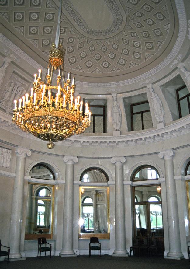 Oval Room , 1997
