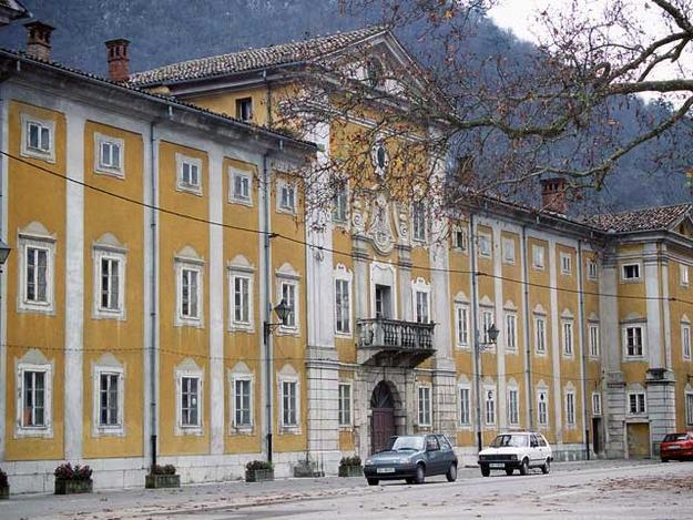 Lanthieri Manor