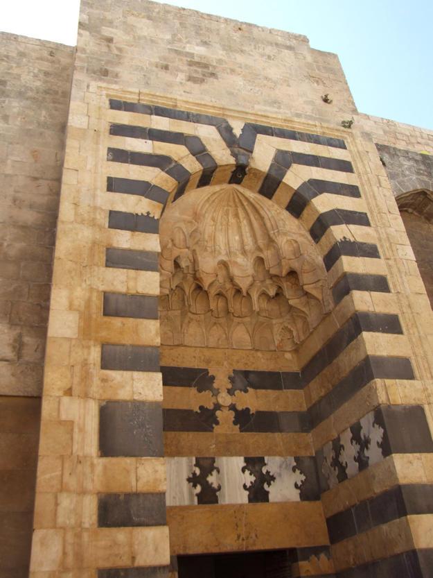 Mamluk-era forecourt to the throne hall, 2009