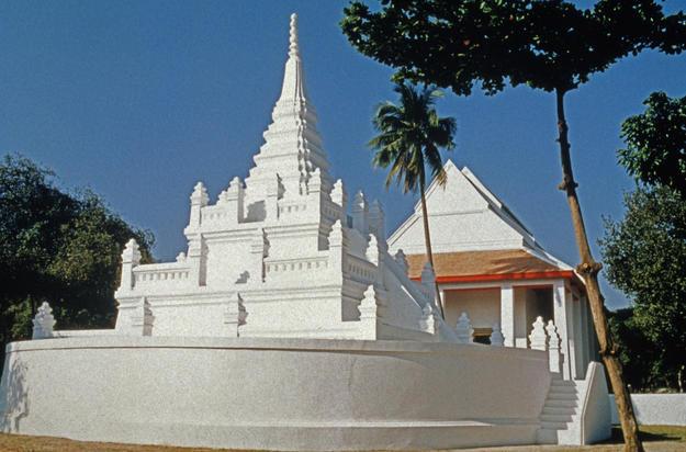 Façade after conservation, 1998