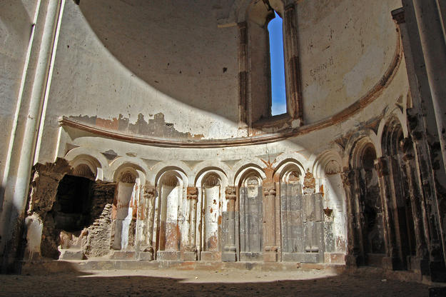 Niches in the apse east interior wall, 2009