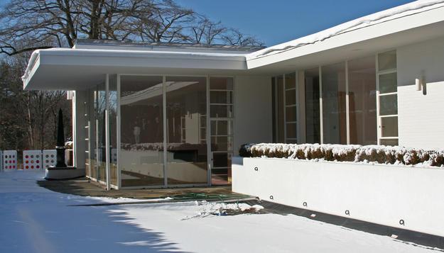 Pool side elevation, 2009