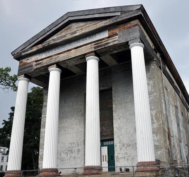 The church's portico, 2010
