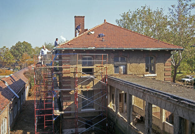 Rear elevation of the Office and Laboratory Building during conservation, 1997