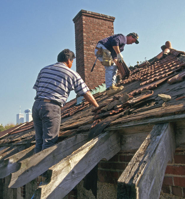 Roof of the office building during conservation, 1997