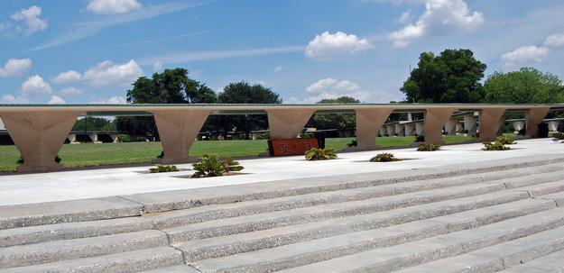 The Esplanade linking the Annie Pfeiffer Chapel to the Children of the Sun Visitor Center, 2009