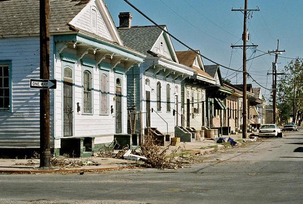 A neighborhood after the storm , 2005