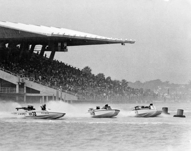 Speedboats racing in the basin, 1964