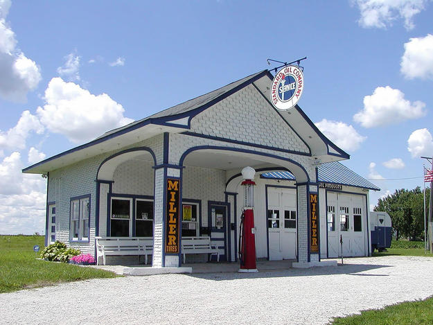The former Standard Oil Station in Odell, Illinois, is a welcome center, 2003