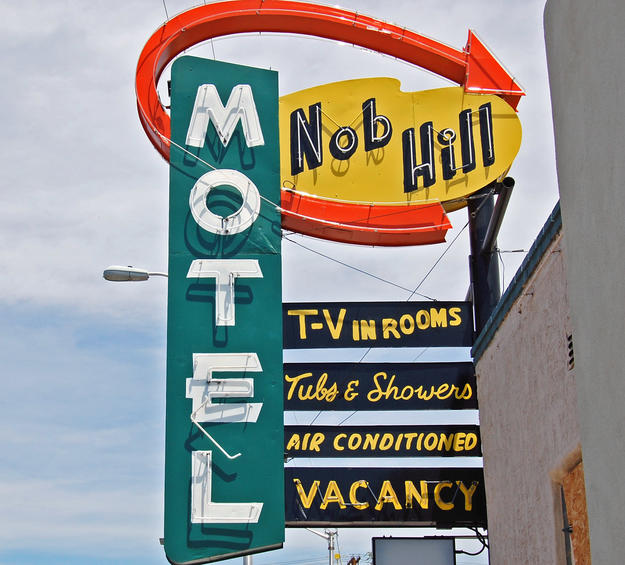 Nob Hill Motel sign, 2008