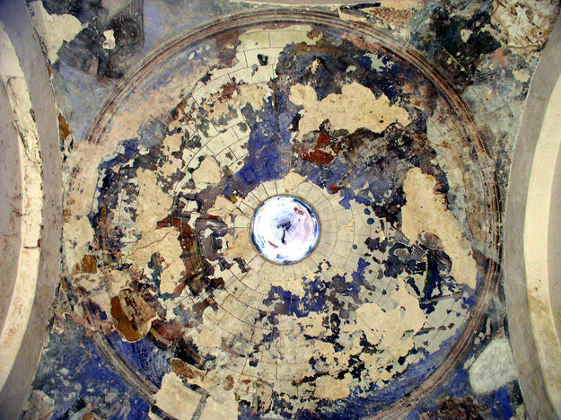The Capilla del Rosario Chapel ceiling murals showing water damage, 2004
