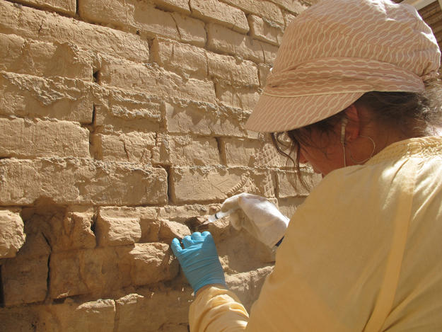 Consolidating the masonry of Ishtar Gate, 2013