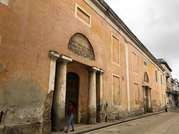Santa Clara façades facing Sol street, 2018