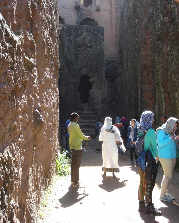 Columbia students tour Lalibela as part of the the 2016 field school