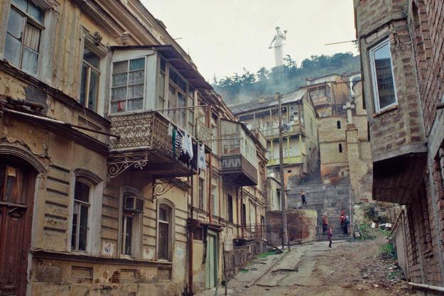 Betlemi's streetscape, 2000