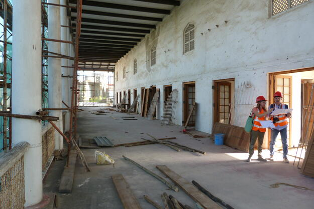 Consultants carry out condition survey for emergency stabilization, House of Wonders, Zanzibar, January 2021