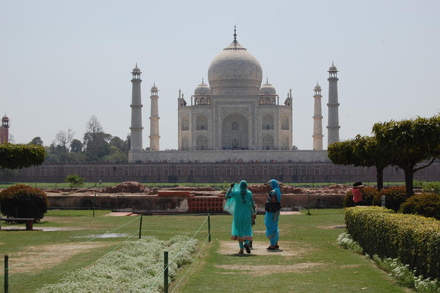 The historic gardens provide spectacular views of the mausoleum, 2005