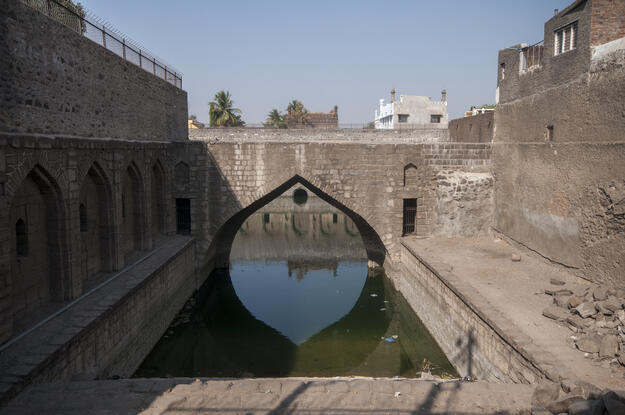 Caption: Water system at the Chand Baudi, near the walls of Bijapur. Photographer credit: Joginder Singh.