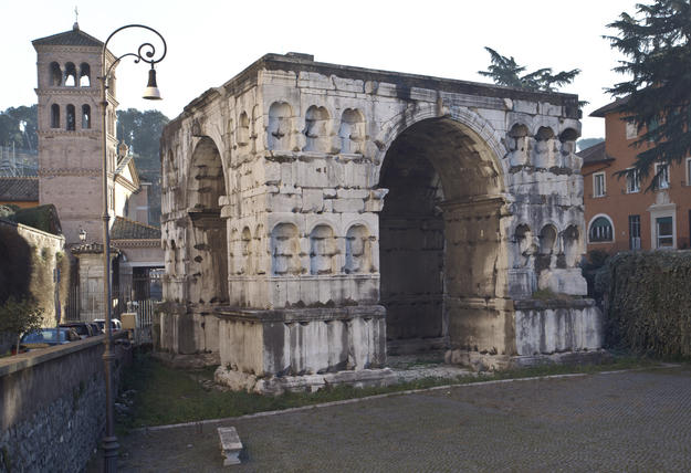 Arch of Janus, before restoration, 2016