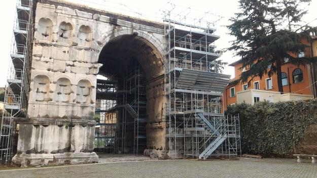 Arch of Janus, during restoration, 2016