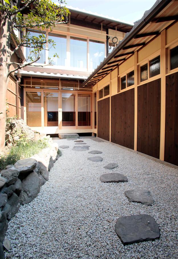 Shijo Cho interior garden after restoration, 2017