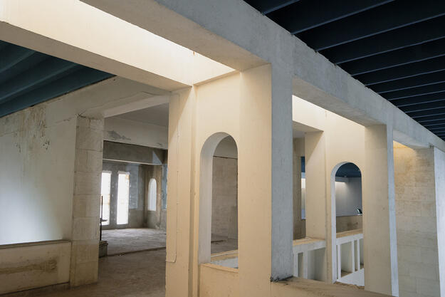 Mezzanine at the Mosul Cultural Museum, September 2021. Photo credit: Ali Al-Baroodi and Moyasser Naseer.