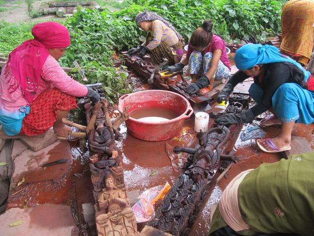 Cleaning of rescued elements of Char Narayan Temple, 2015