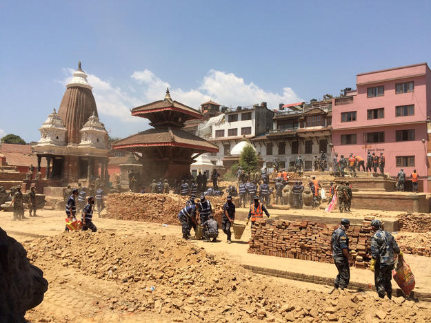 Soldiers assisting in Char Narayan Square following 2015 earthquake.