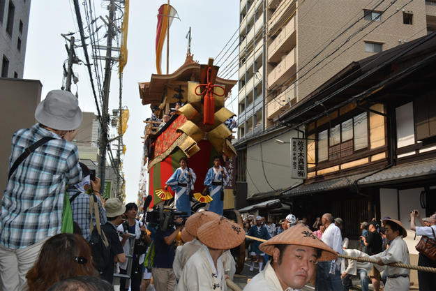 Ofune-hoko Float and Machiya in the Gion Festival, 2015