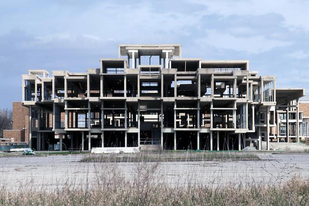 The stripped-down façade, 2016