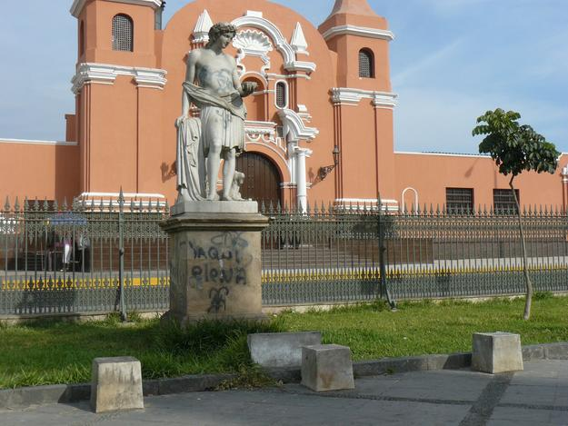 Sculptures along the Alameda de los Descalzos have been vandalized with graffiti and most of the benches destroyed, 2011
