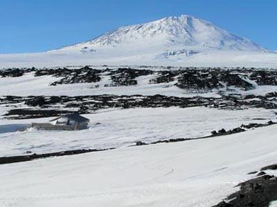 SCOTT'S HUT AND THE EXPLORERS' HERITAGE OF ANTARCTICA